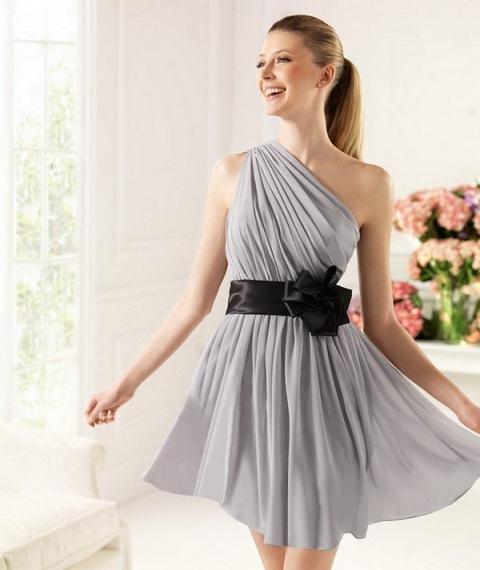 en moda mini mezuniyet elbisesi modeli
