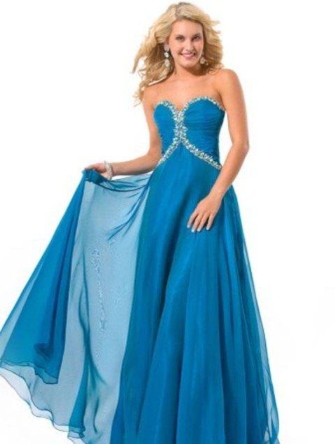mavi mezuniyet elbisesi