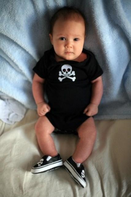 erkek bebek badi modeli