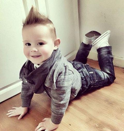 erkek bebek kot pantolon modeli