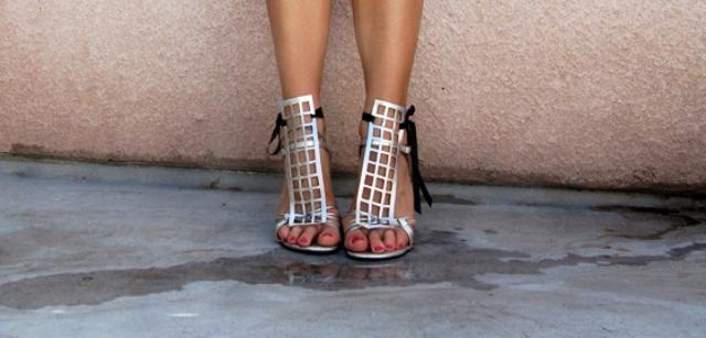metalik sandaletler