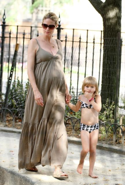 uzun-hamile-elbisesi.jpg