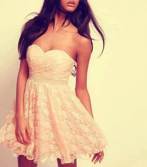 pembe dantel elbise modeli