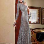 payetli uzun kollu abiye elbise