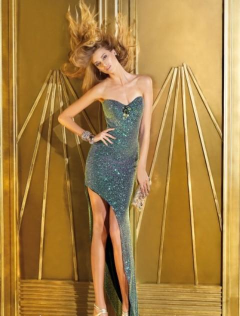 asimetrik kesim straplez abiye elbise