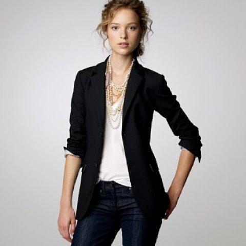 Kısa ceket ve bayan kot ceket modelleri, hemen her kıyafet ile mükemmel uyum göstermesi sayesinde tercih edilebilecek en iyi parçalardandır. Üstelik hem kıyafetinizi boğmadan tamamlar, hem de .