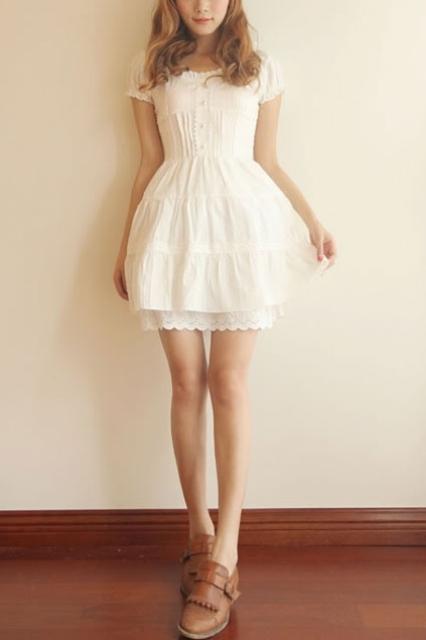 beyaz mini elbise modeli