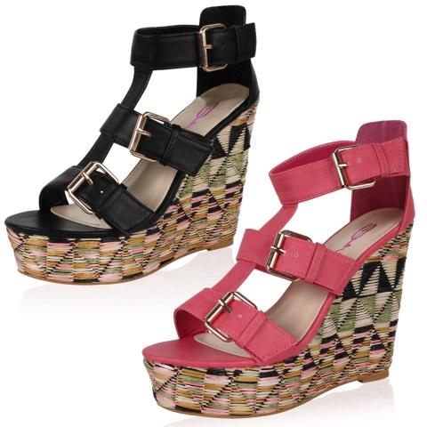 Dolgu topuk sandaletler