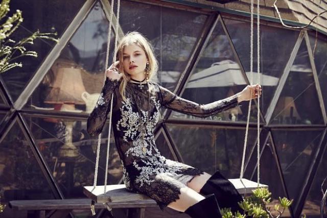siyah dantel gotik elbise
