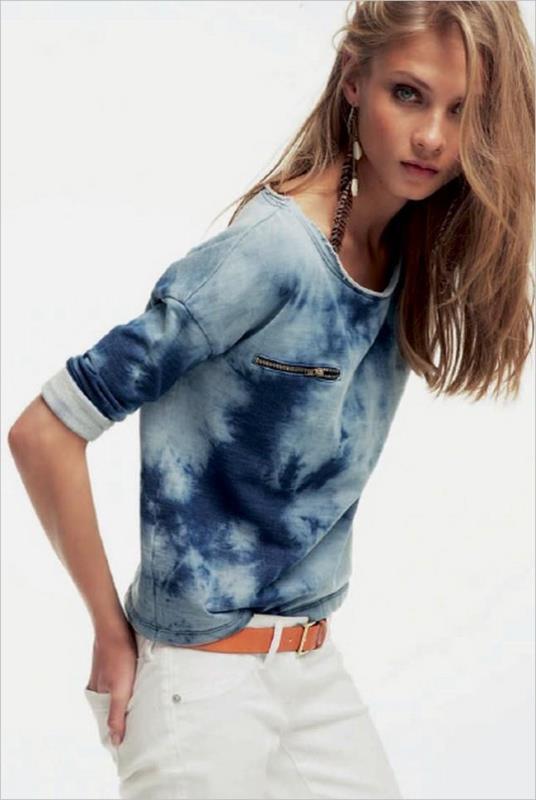 batik desenli bluz modeli