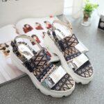 en guzel yazlik sandalet modelleri