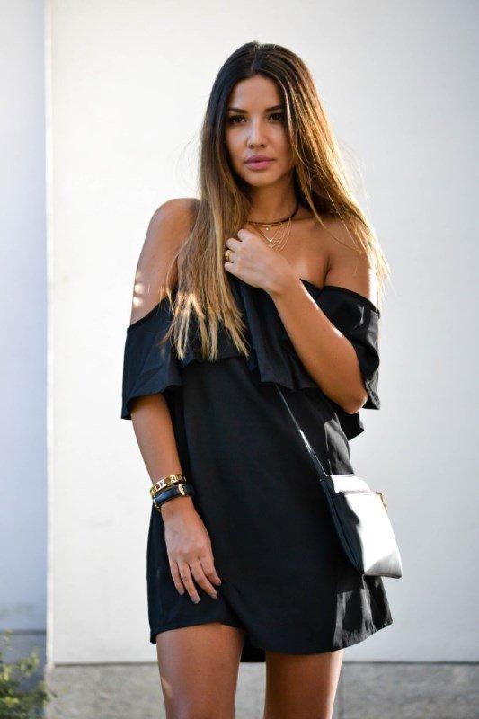 omuz dekolteli elbise modeli
