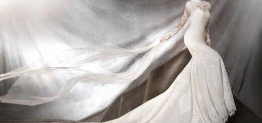 pronovias uzun kollu gelinlik modeli